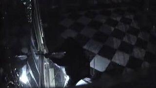 """شاهد: كاميرات تكشف تفاصيل سرقة كنوز """"لا تقدر بثمن"""" من متحف ألماني"""