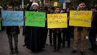 انتقاد از دولت و مطالبه اینترنت ملی در راهپیمایی «حمایت از ولایت»
