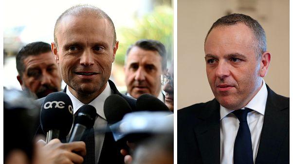 Αριστέρα ο πρωθυπουργός της Μάλτας, Τζόζεφ Μουσκάτ και δεξία ο πρώην προσωπάρχης του πρωθυπουργού της Μάλτας, Κιθ Σέμπρι
