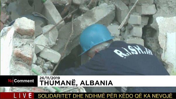 شاهد: تواصل عمليات الإنقاذ في ألبانيا بعد أقوى زلزال يضرب البلاد منذ عقود