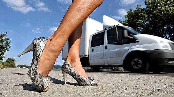 A Németországban bejegyzett prostituáltak harmada román, hét százaléka pedig magyar