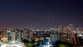 إسرائيل تشن غارات على غزة بعد اطلاق صواريخ من القطاع