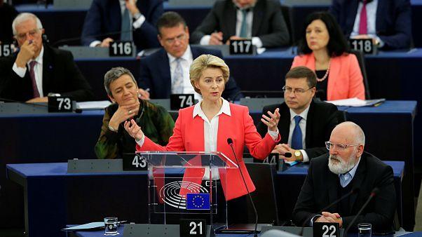 پارلمان اروپا با نامزدهای پیشنهادی فن در لاین برای عضویت در کمیسیون اروپا موافقت کرد