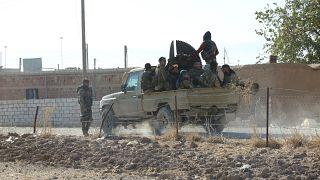 Suriye Milli Ordusu isimli gruba bağlı savaşçılar