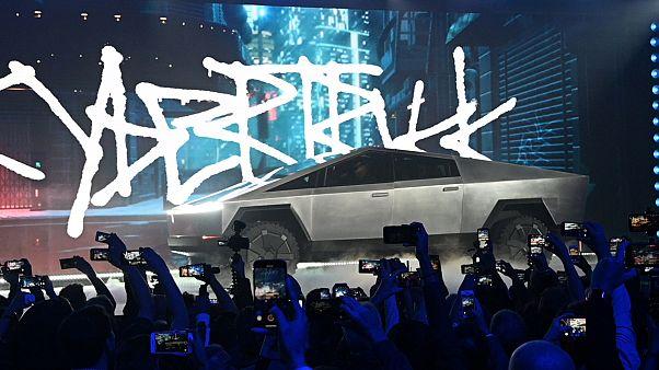 Tesla'nın yeni elektrikli pikap aracı Cybertruck