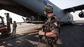 Fransa niçin Mali'de savaşıyor?: 'Sömürge ruhu' ve militanlarla mücadele