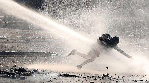 Scontro permanente in Cile fra manifestanti e polizia