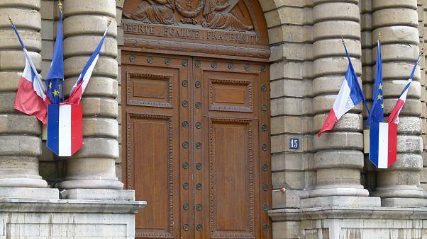 Fransız seçimlerinde cemaatçilik tartışması: 'Erdoğan'ın partisi seçimlere katılmamalı'