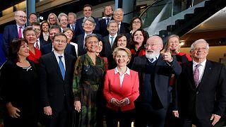 أعضاء المفوضية الأوروبية برئاسة الألمانية أورسولا فون دير لاين