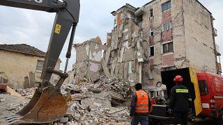 دومین زلزله پیاپی در آلبانی؛ شمار کشتههای زلزله نخست به ۳۰ نفر رسید