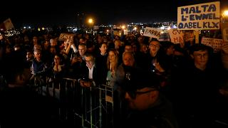 """Протесты на Мальте: """"Коррупционеры должны сидеть в тюрьме!"""""""