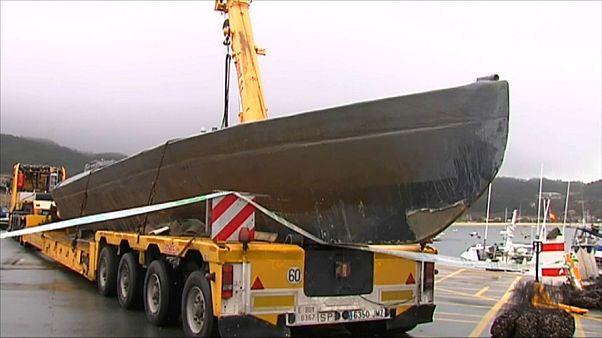 Extraen tres toneladas de cocaína del narcosubmarino apresado en Galicia