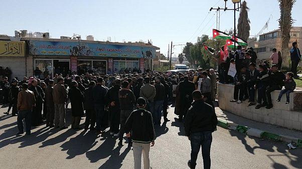 مُحتجون في محافظة المفرق يطالبون بإطلاق سراح نشطاء سياسيين في 22 نوفمبر/تشرين الثاني