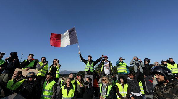 Fransa'da Sarı Yelekliler eylemlerinden bir kare, 17 Kasım 2018