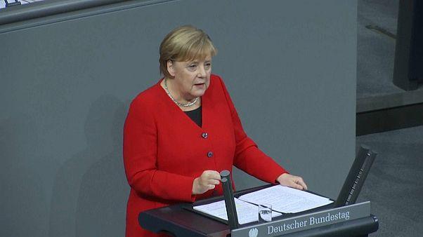 Merkel: Avrupa'nın NATO'ya, NATO'nun da Türkiye'ye ihtiyacı var