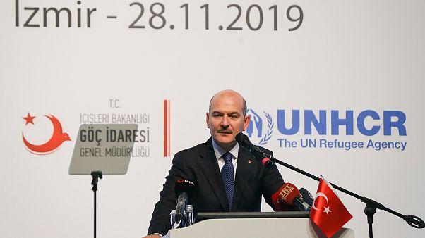 """İçişleri BakanıSüleyman Soylu, İzmir'de düzenlenen """"Göç, Güvenlik ve Sosyal Uyum"""" konulu çalıştaya katılarak konuşma yaptı"""