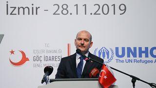 """İçişleri BakanıSüleyman Soylu, İzmir'de düzenlenen """"Göç, Güvenlik ve Sosyal Uyum"""" konulu çalıştaya katılarak konuşma yaptı."""