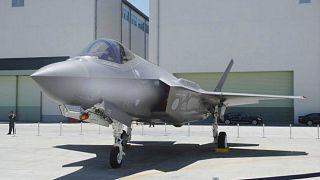 إيطاليا تعلن بدأها المرحلة الثانية من برنامج استثمار مقاتلات F35