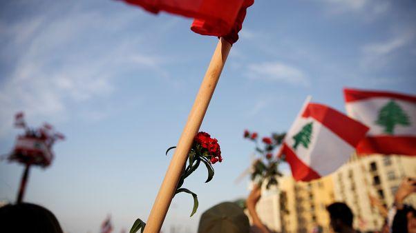 """صرخة أمهات لبنانيات بوجه التوتر الطائفي: """"ما أغلى من الولد إلا توحيد البلد"""""""