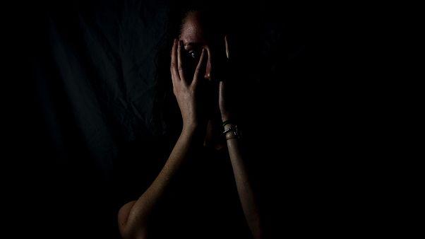 """Gewalt gegen Frauen gilt als """"stille Gewalt"""", oft kommt es zum sog. Victim-Blaming"""
