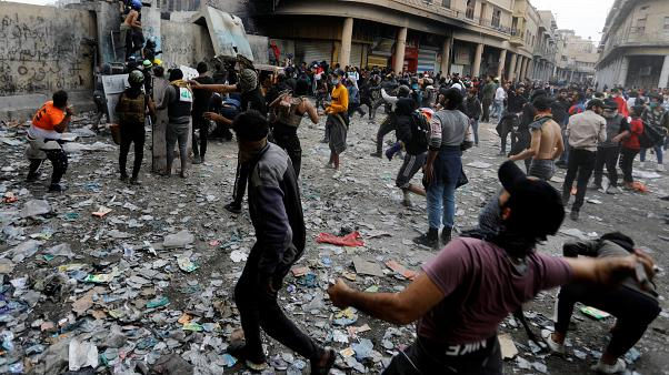 Ιράκ: Νεκροί και τραυματίες στις μαζικές διαμαρτυρίες σε όλη τη χώρα