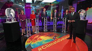 قناة بريطانية تستبدل ضيفها بوريس جونسون بمجسم يرمز إلى ذوبان الجليد