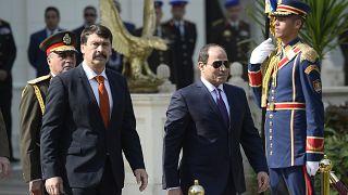 """""""Újraértelmezte"""" a magyar himnuszt az egyiptomi katonazenekar"""