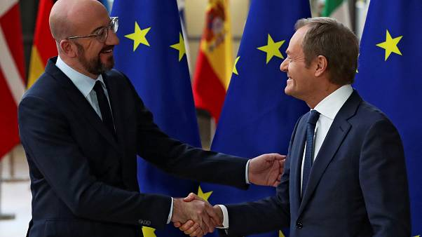 AB Konseyi'nde devir teslim töreni: Donald Tusk (sağda), George Michel (solda)