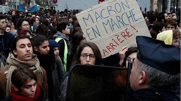 فرانسه در آستانه اعتصاب بزرگ سراسری؛ ماکرون: اصلاحات گریزناپذیر است