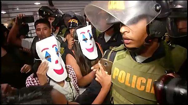 Protesta en Perú contra el precio del billete de metro