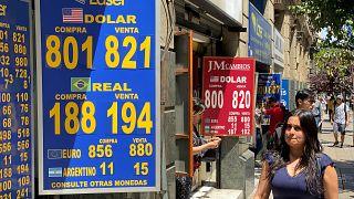 Las monedas de Chile, Colombia y Brasil se desploman debido a la inestabilidad