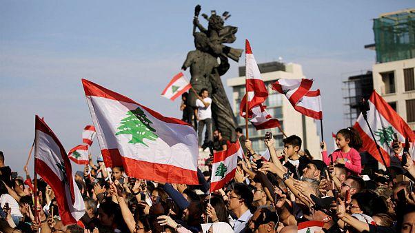 معترضان لبنانی چگونه از هنر برای بیان دیدگاههای خود استفاده میکنند؟