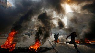 Irak'ta hükümet karşıtı protestolar devam ediyor. Necef