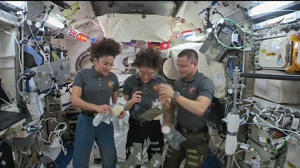 رواد الفضاء في محطة الفضاء الدولية