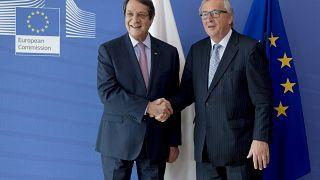 Γιούνκερ: «Ζω με την ελπίδα ότι μπορεί να γίνει η επανένωση της Κύπρου»