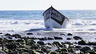 Aux Canaries, des réfugiés aidés par des touristes