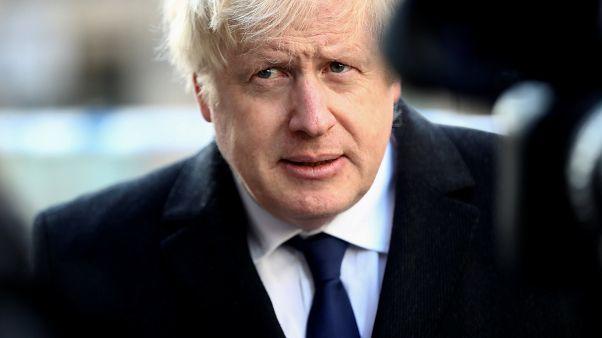 رئيس الوزراء البريطاني بوريس جونسون في مكان الحادث على جسر لندن - 2019/11/30 -