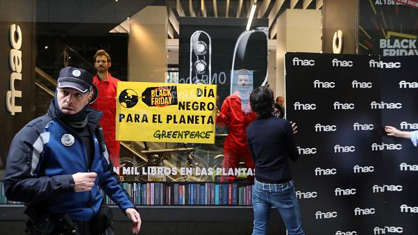 Black Friday: Ακτιβιστικές δράσεις σε όλη την Ευρώπη
