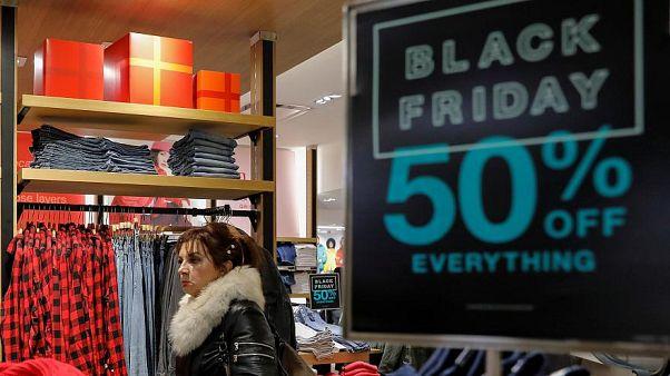 Ist der Black Friday schlecht für die Umwelt? Euronews fragt nach