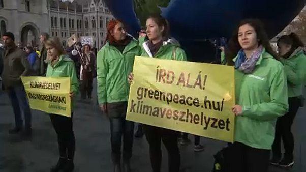 A budapesti FFF-tüntetés klímavészhelyzet kihirdetését követelte