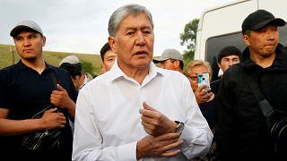 Eski Kırgızistan Cumhurbaşkanı Atambayev 'suçlu serbest bırakma' iddiasıyla hakim karşısına çıktı