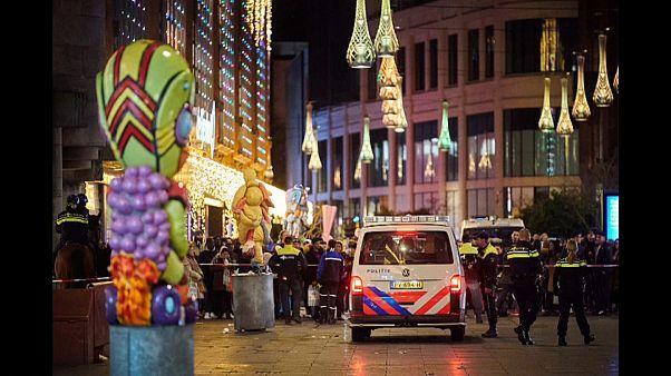 Varias personas han sido apuñaladas en un centro comercial de La Haya