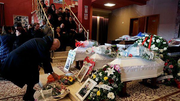 توقف عملیات جستجوی قربانیان زلزله آلبانی؛ شمار کشتهها به ۵۱ نفر رسید