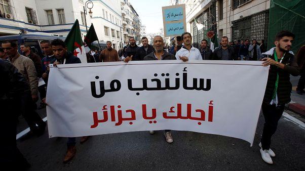 الجزائر: مظاهرات في العاصمة تأييدا للانتخابات الرئاسية