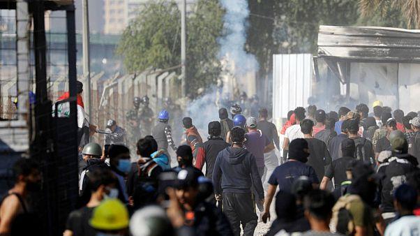 ادامه درگیریها در عراق و آتش زدن ورودی یکی از اماکن مذهبی با وجود استعفای عبدالمهدی