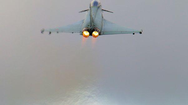 Londra'da sonik patlama seslerine Kraliyet Hava Kuvvetleri jeti sebep olmuş