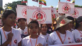 Aung Szan Szú Kjit támogatják