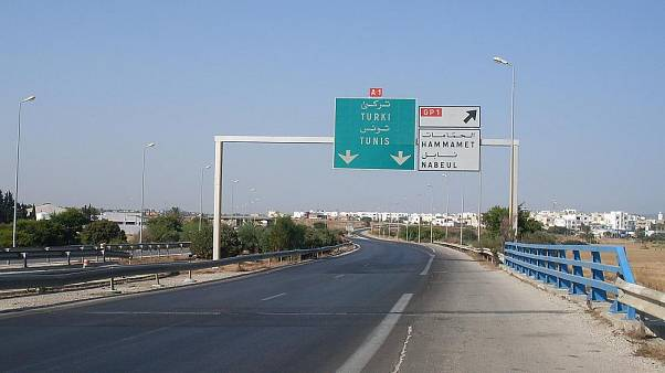 Tunus'ta otobüs devrildi: En az 22 ölü