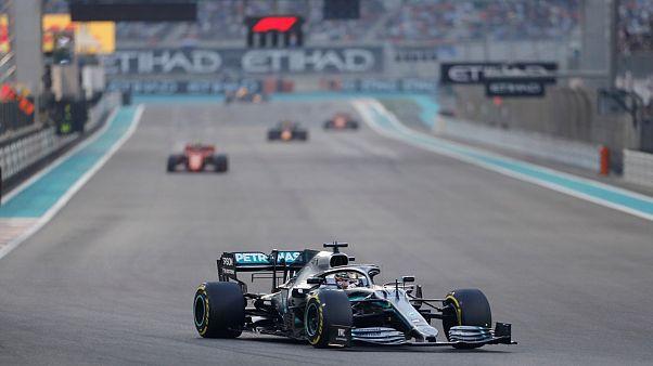Luis Hamilton Formula 1 sezonun son yarışı Abu Dabi ayağını kazandı