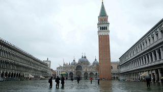 Venedikliler ikiye bölünmeye beşinci referandumda da hayır dedi